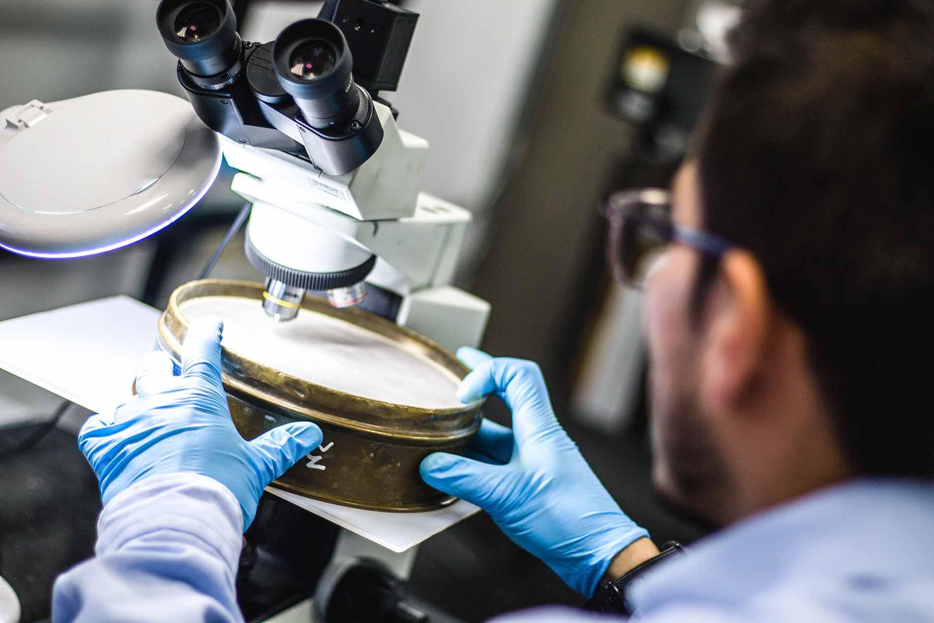 Laboratorio de ensayos de materiales - Metrologia calibracion foto tamiz